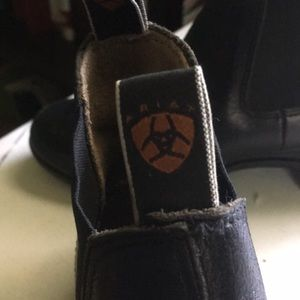 Ariat Shoes - Ariat gel soled blundstone boots